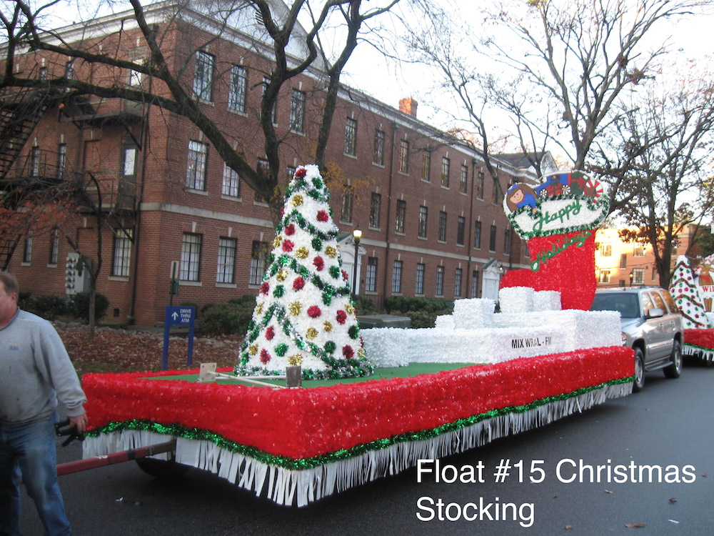 Christmas Floats | Triangle Float